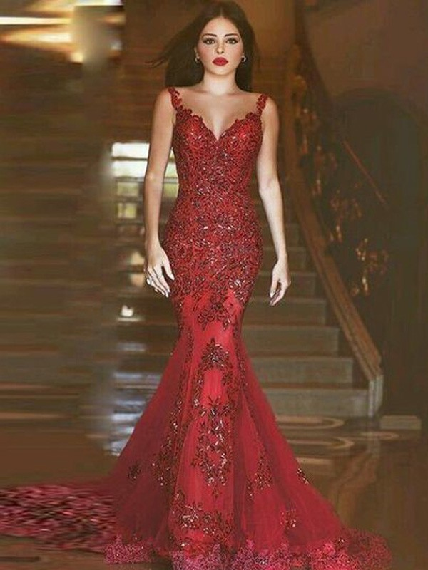 Sirena Escote en V Brush Train Rojo Vestidos de Fiesta with Applique