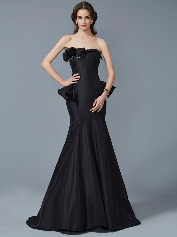 Sin Tirantes Brush Train Negro Vestidos de Fiesta with Volantes