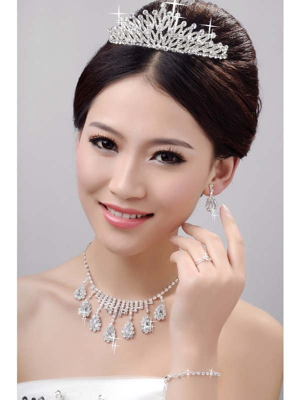 Awesome Alloy Clear Cristals Wedding Party Earrings Set