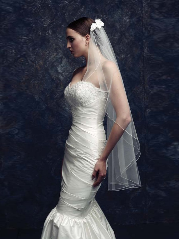 Gorgeous Flower Tul Bridal Veils