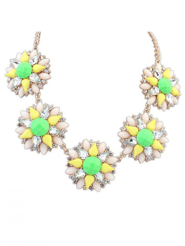 Occident Stylish Street shooting Popular Flowers Fashion Necklace