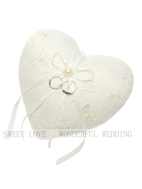 Charming Ring Pillow In Encaje With Imitation Perla