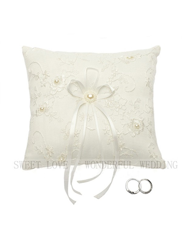 Delicate Ring Pillow In Encaje With Imitation Perla